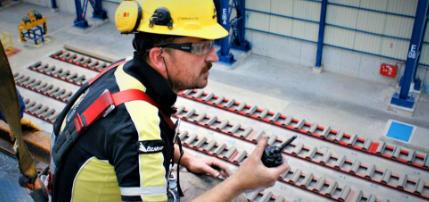 MMK metalurji vinç yürüme yolu modernizasyonu projesinde Delfin Vinç servisi'ni tercih etmiştir